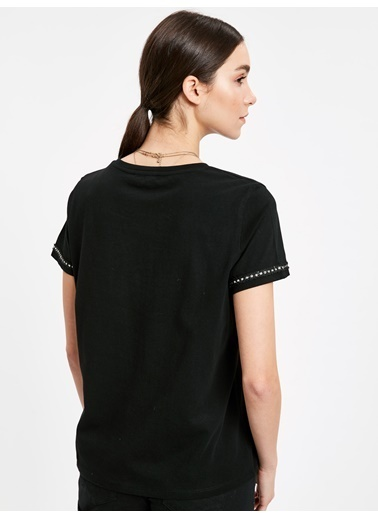 LC Waikiki Kol Ucu Detaylı Pamuklu Tişört Siyah